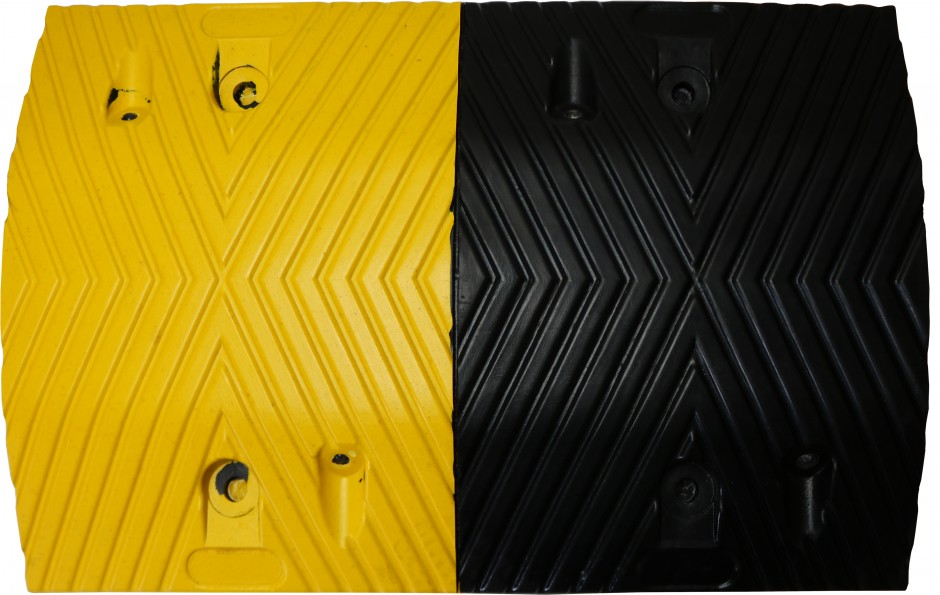 Rubber Speed Hump - Yellow/ Black Mid Section